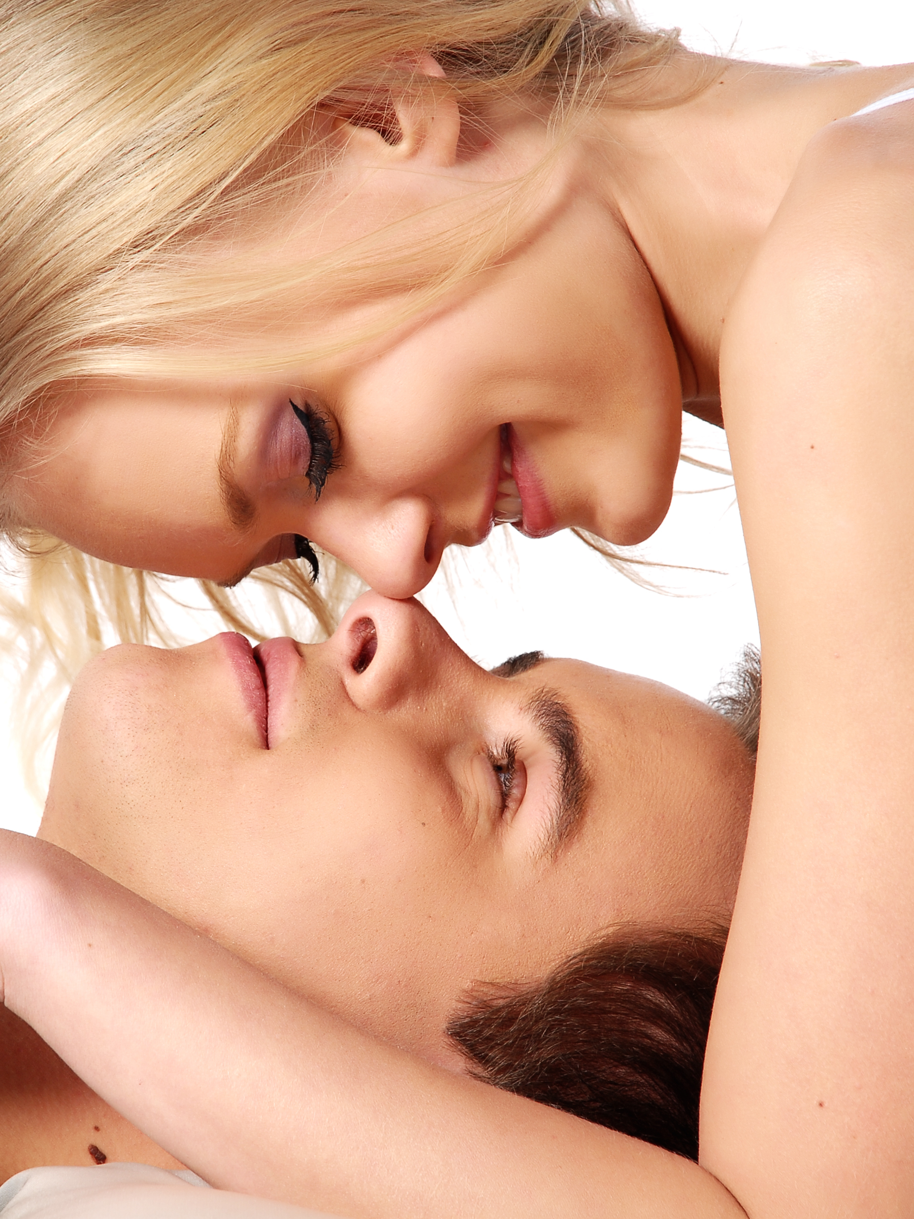 bigstock-Happy-young-couple-in-love-34705637